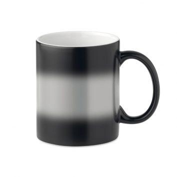 MO9156_03A-Kaffeebecher-Schwarz mit Farbwechsel-bedruckbar-bedrucken-Logodruck-Werbegeschenk-Werbeartikel-Rosenheim-Muenchen-Deutschland