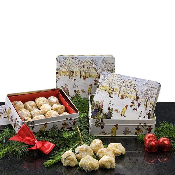Stollenkonfekt mit Marzipan als Geschenkpräsente für Weihnachten