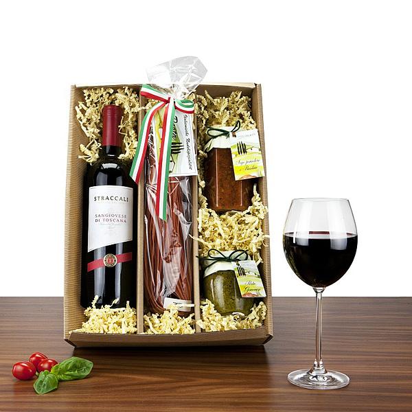 Rotwein mit Nudeln und Pesto als Werbepräsent