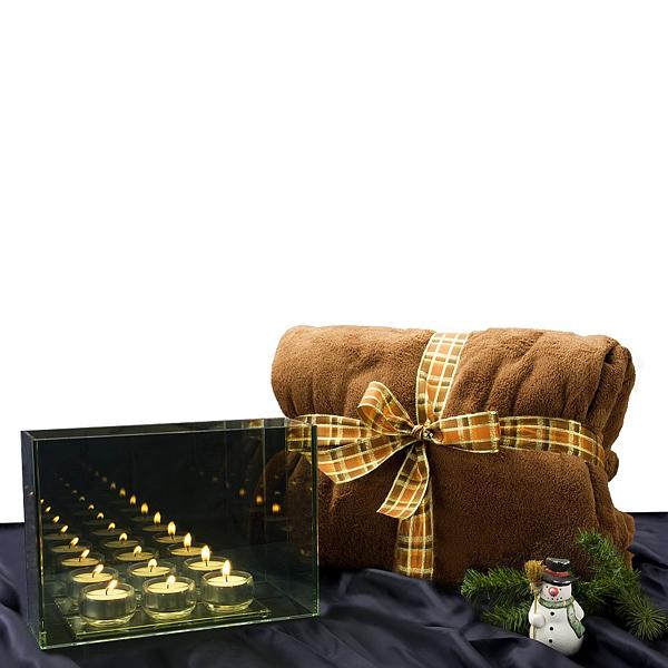 Lichterspiegel mit Teelichter und Fleecedecke als Werbegeschenk