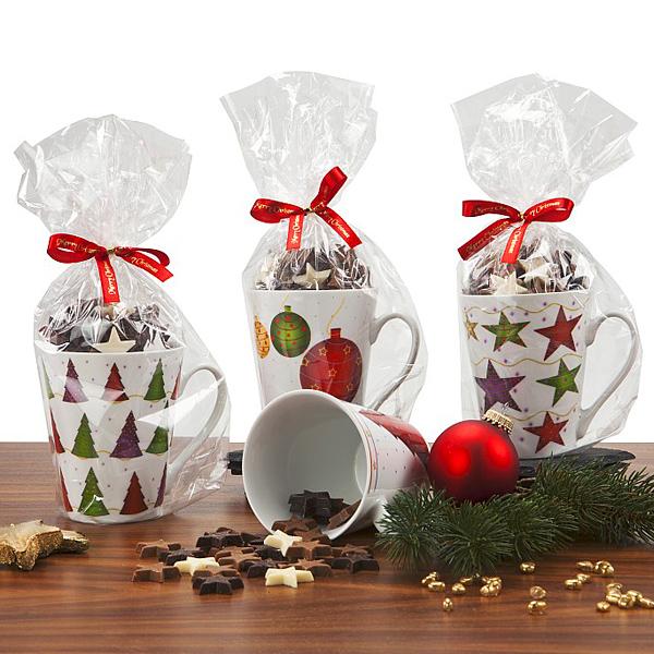 Weihnachtstassen mit Schokolade als Werbegeschenk