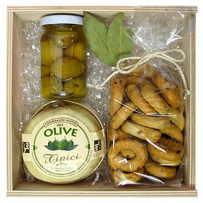 Oliven und Knabbergebäck im Set als Werbepräsent