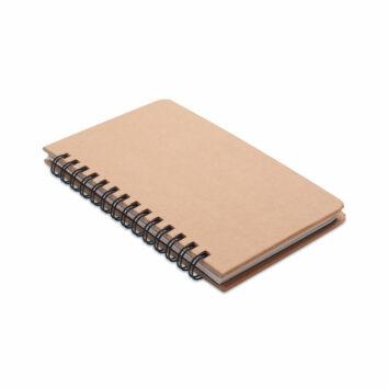 Notizbuch mit Kiefernsamen