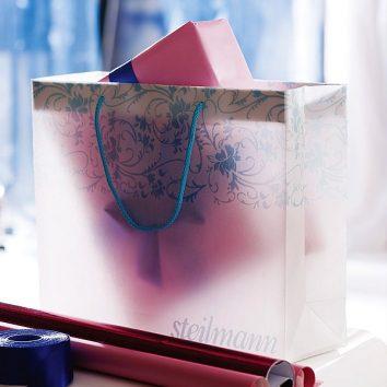 Papiertragtasche-01-bedruckbar-CLASSIC-ICE-bedruckbar-werbegeschenk-werbeartikel-rosenheim-muenchen.jpg
