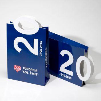 Papiertragtasche-01-bedruckbar-PACK-FORM-bedruckbar-werbegeschenk-werbeartikel-rosenheim-muenchen.jpg